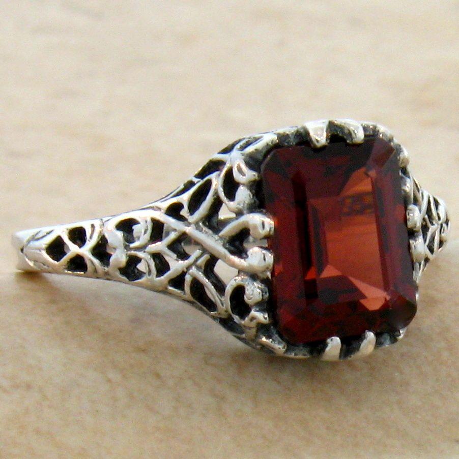 2 ct genuine garnet 925 sterling silver antique style ring. Black Bedroom Furniture Sets. Home Design Ideas