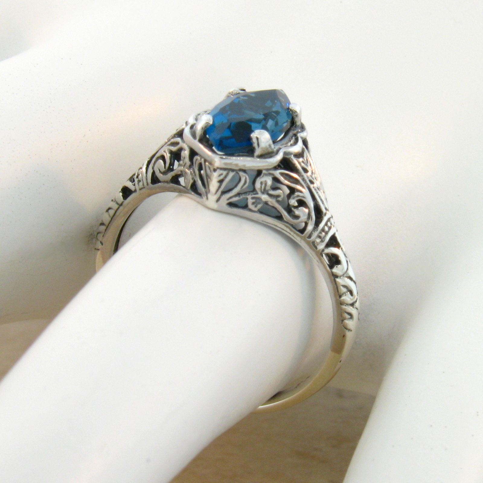 925 Sterling Silver Natural Blue Topaz Gemstone Vintage Style Ring Choose Size