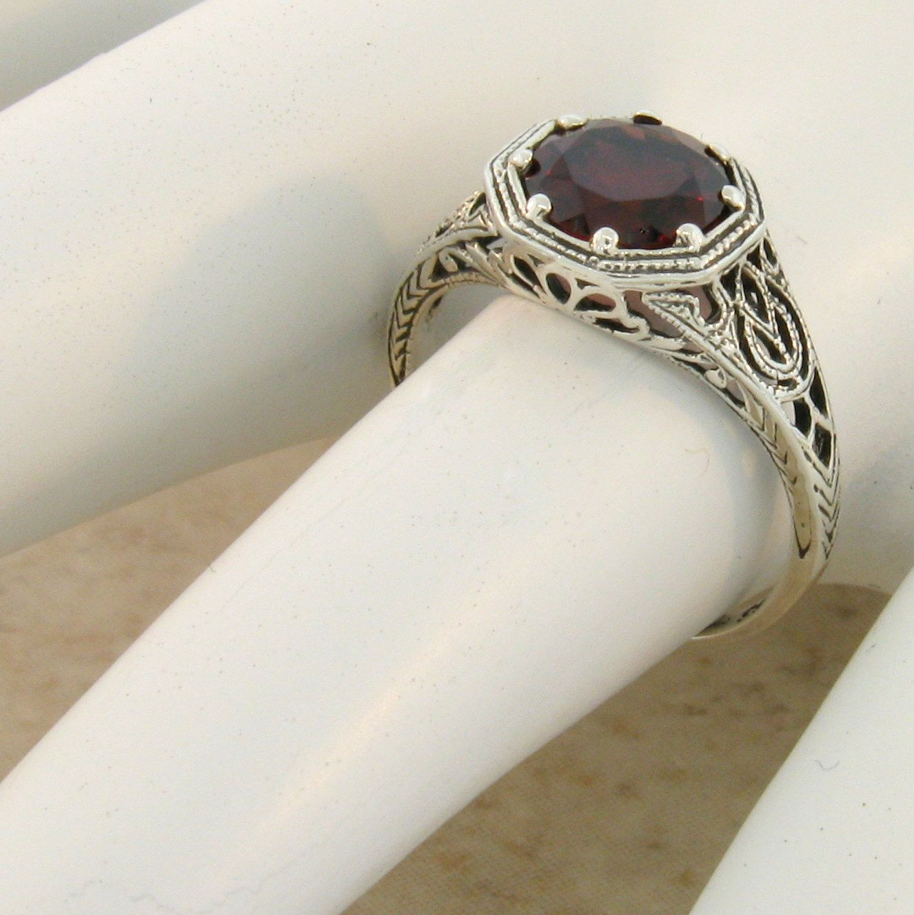 2 CT REAL GARNET ART DECO VINTAGE STYLE .925 STERLING SILVER RING SIZE 5 #869