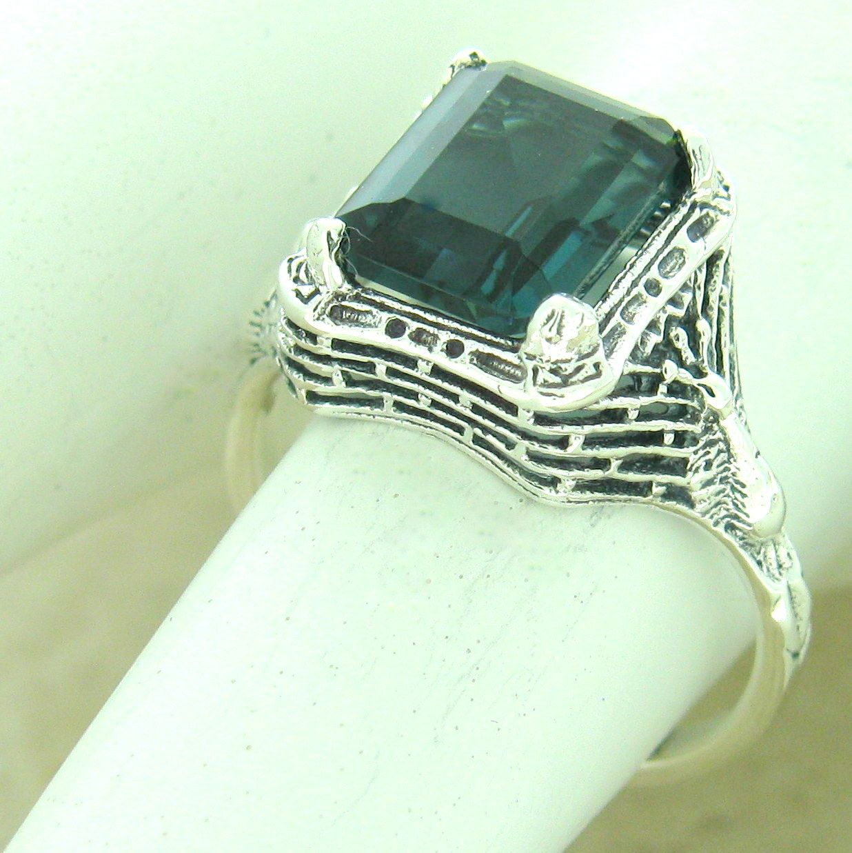 #708 REAL LONDON BLUE TOPAZ ART DECO 925 STERLING SILVER RING SIZE 8