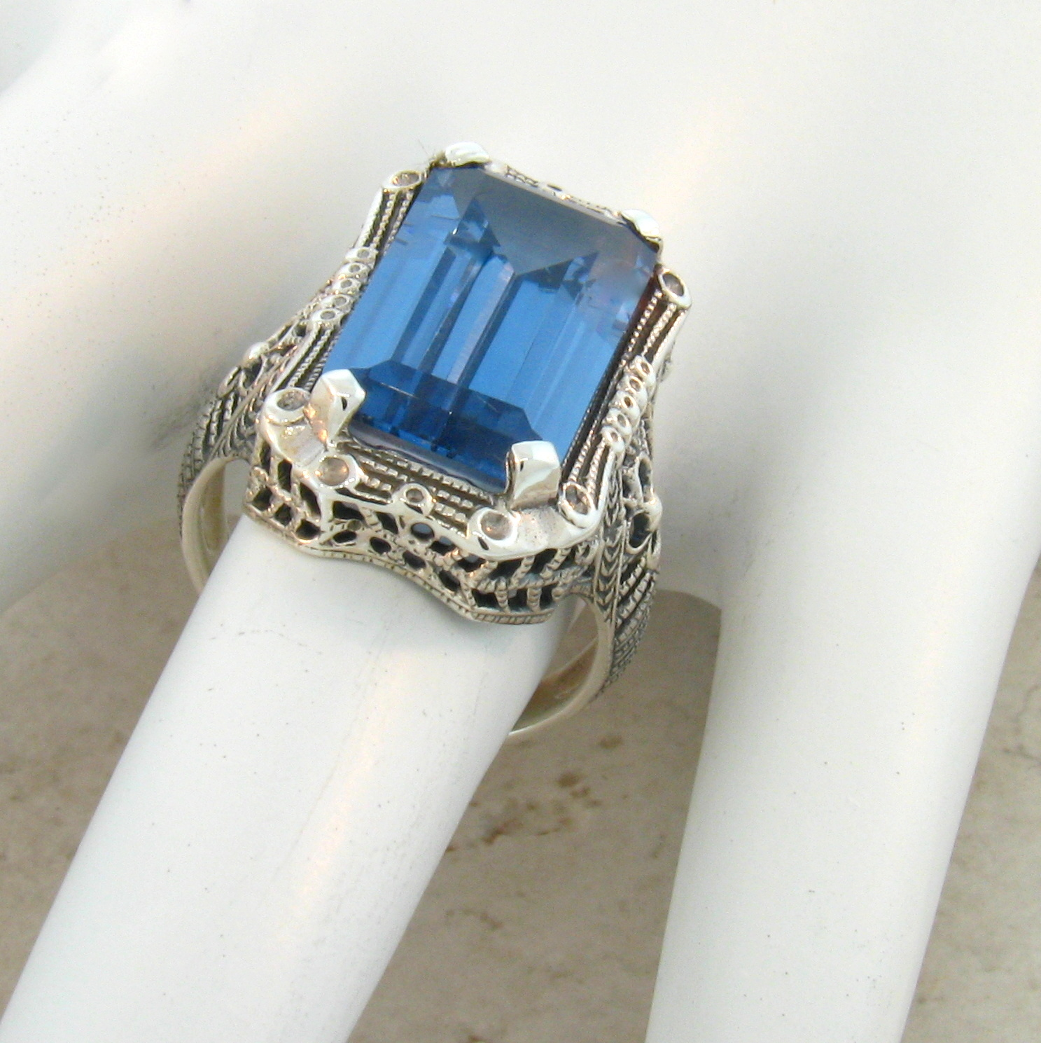 SIM SKY BLUE TOPAZ ANTIQUE STYLE .925 STERLING SILVER RING SIZE 6 4.5 CT #372