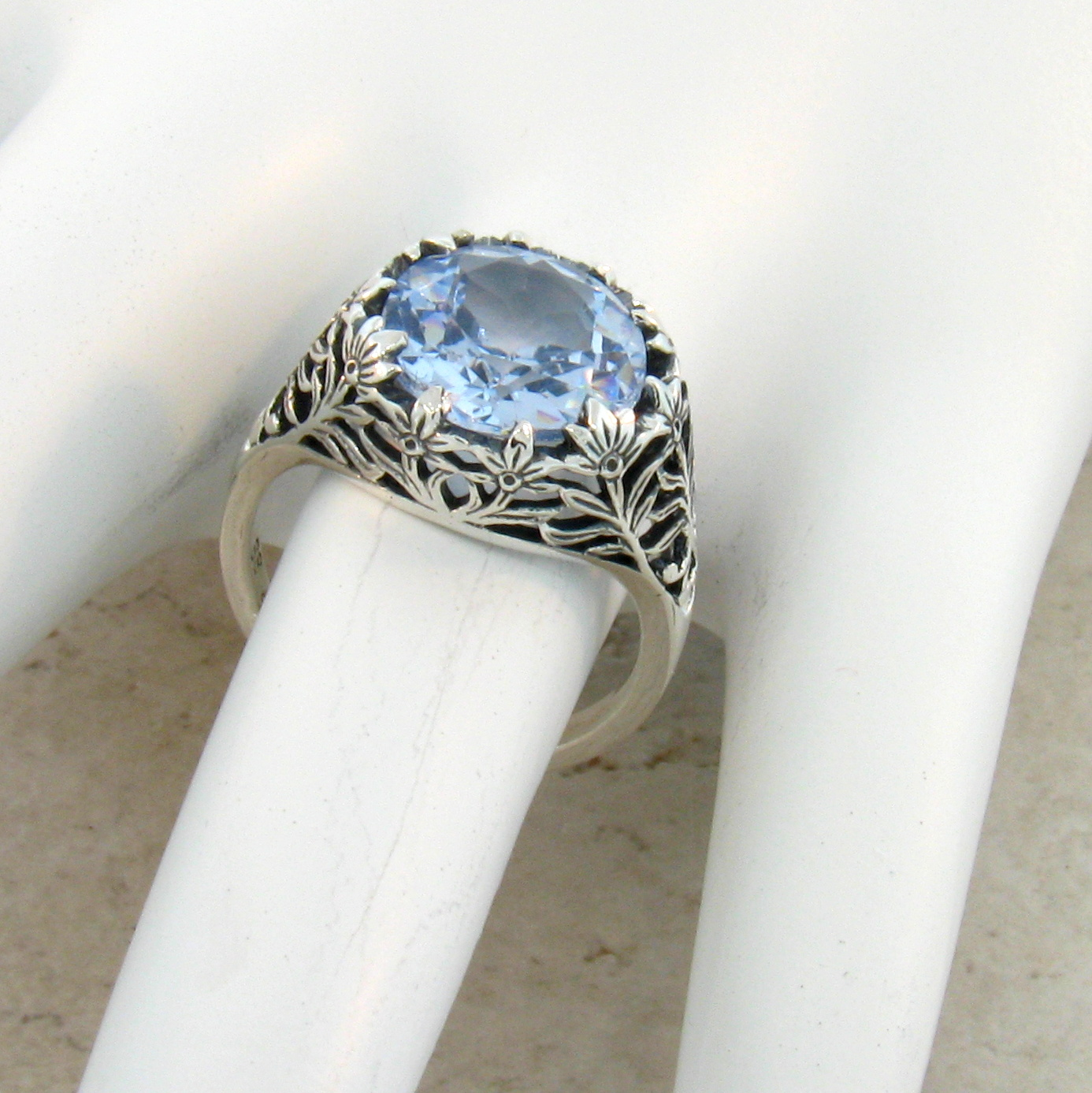 4.5 CT SIM SKY BLUE TOPAZ ANTIQUE STYLE .925 STERLING SILVER RING SIZE 5 #372